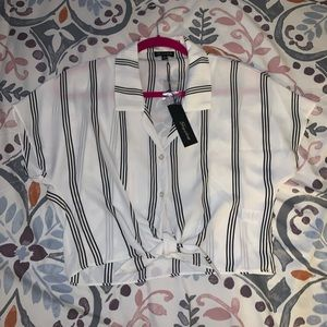 NEW! White & Black Stripped Tie Front Cropped Top